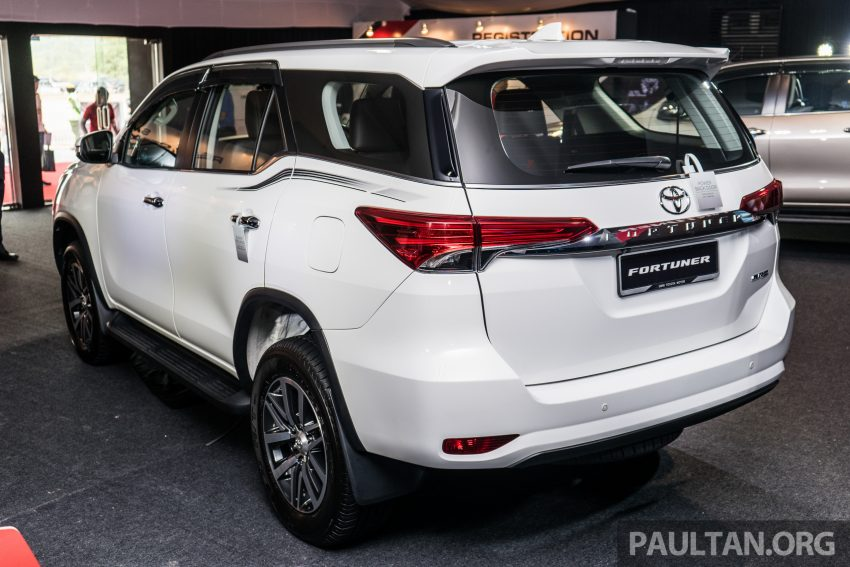 2016 Toyota Fortuner Launched In Malaysia Two Variants 2 4l Diesel And 2 7l Petrol Rm187