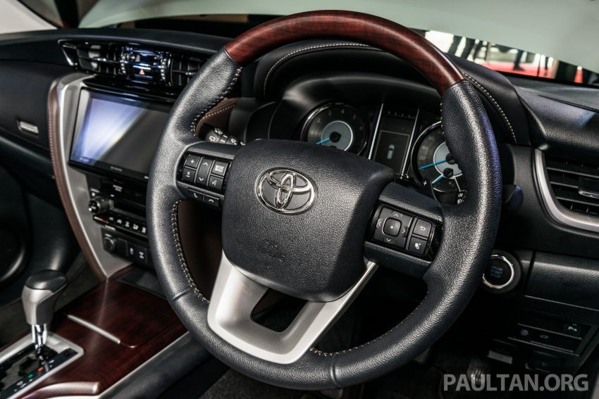 2016 Toyota Fortuner launched in Malaysia – two variants, 2.4L diesel and 2.7L petrol, RM187-200k Image #488125