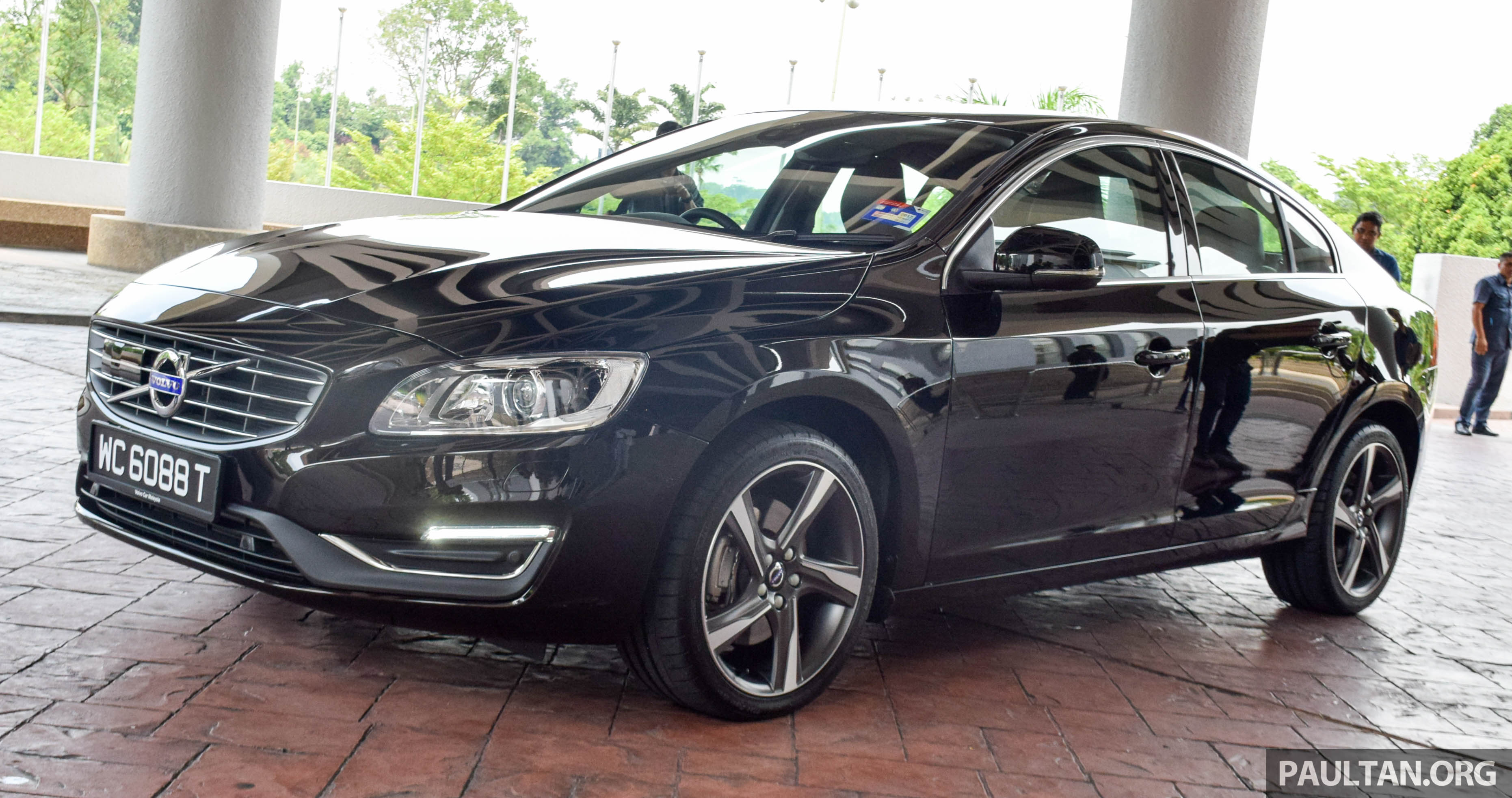 volvo s60 t6 drive e launched 306 hp ckd rm280k image 494665. Black Bedroom Furniture Sets. Home Design Ideas