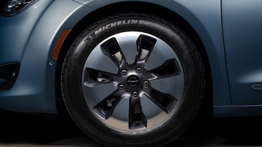 Chrysler Pacifica Hybrid to be used in Google's self-driving car project, in new collaboration with FCA Image #487642