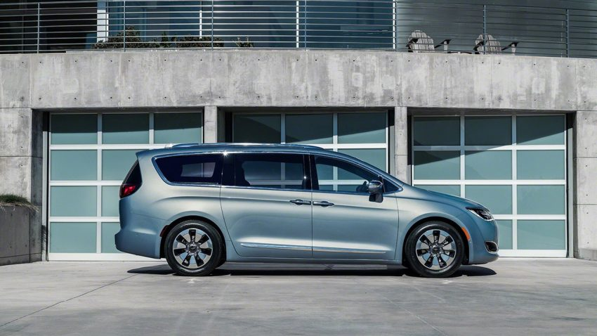 Chrysler Pacifica Hybrid to be used in Google's self-driving car project, in new collaboration with FCA Image #487628