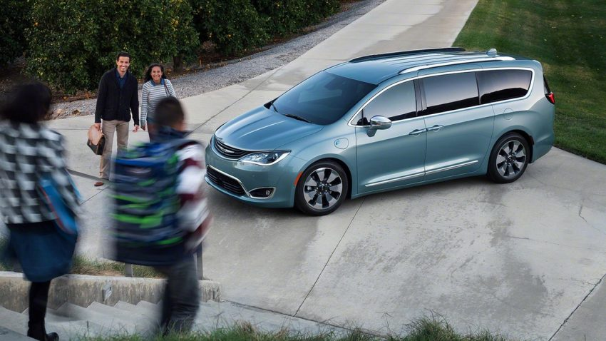 Chrysler Pacifica Hybrid to be used in Google's self-driving car project, in new collaboration with FCA Image #487631