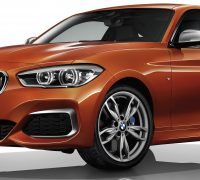 BMW M140i three-door-01
