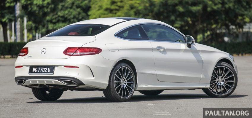 GALLERY: Mercedes-Benz C300 Coupe vs sedan Image #496027