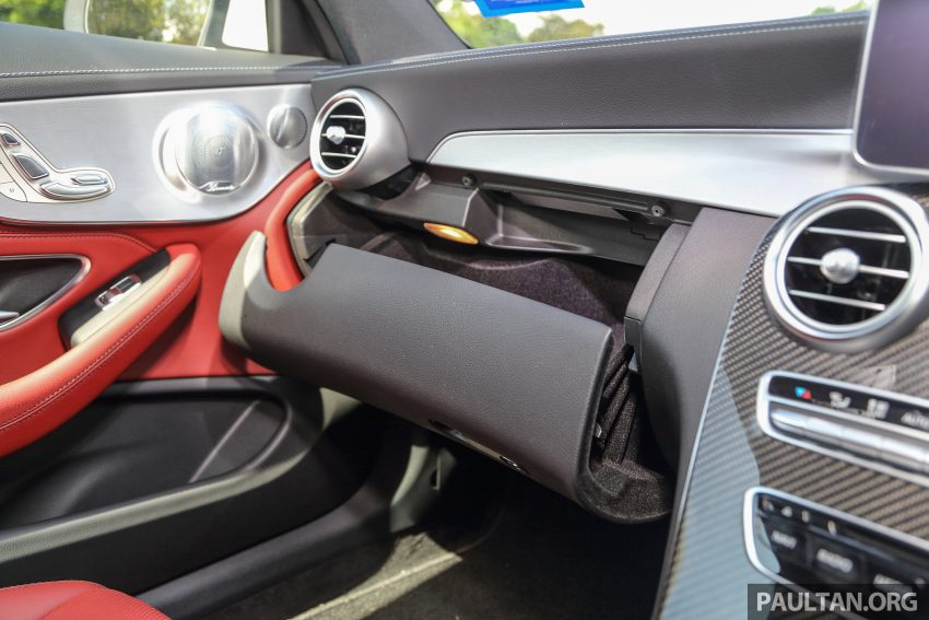 GALLERY: Mercedes-Benz C300 Coupe vs sedan Image #496038