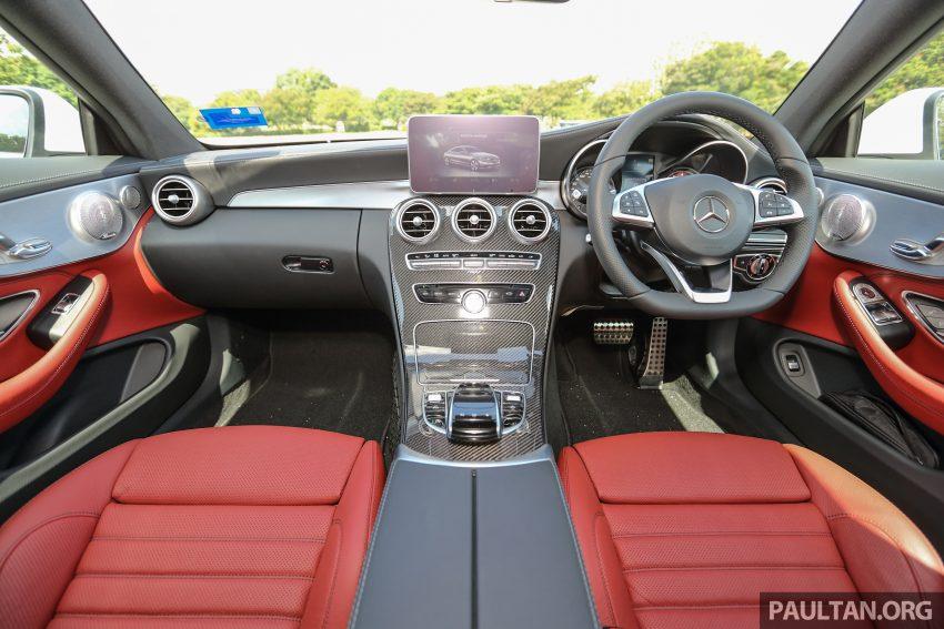 GALLERY: Mercedes-Benz C300 Coupe vs sedan Image #496041