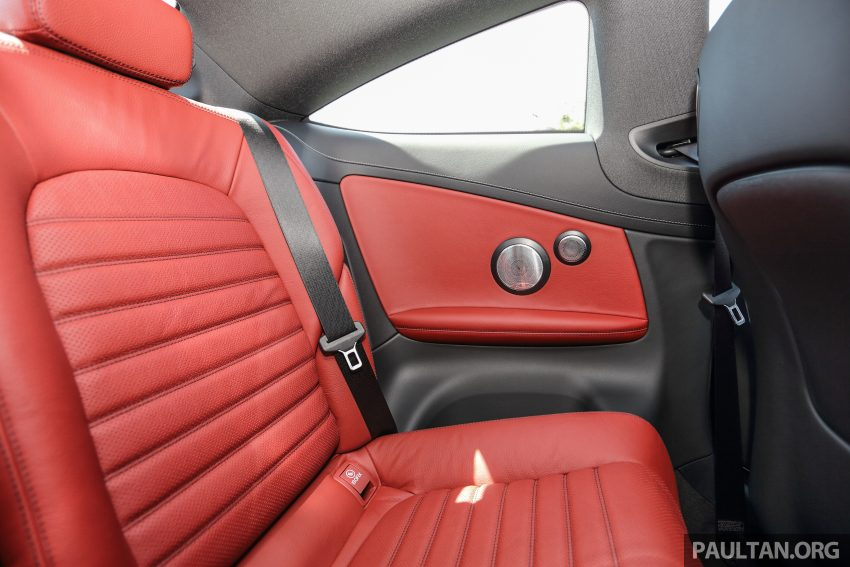 GALLERY: Mercedes-Benz C300 Coupe vs sedan Image #496047