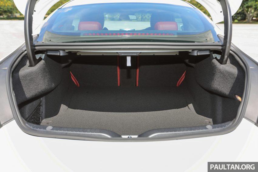 GALLERY: Mercedes-Benz C300 Coupe vs sedan Image #496049