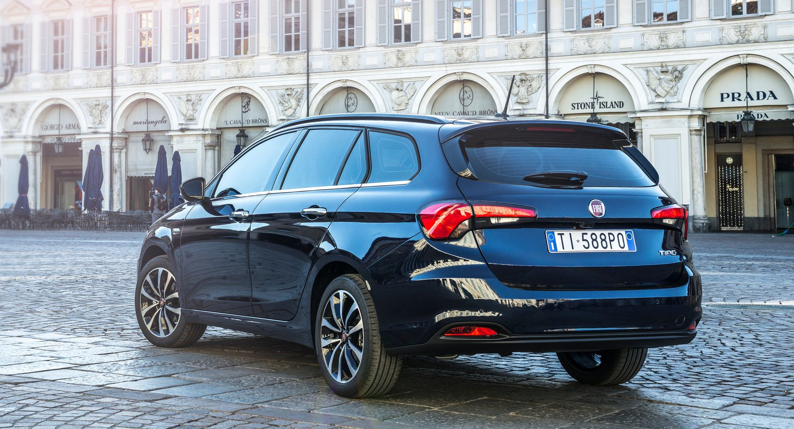 Fiat Tipo 5 Door Hatchback Station Wagon Revealed Image