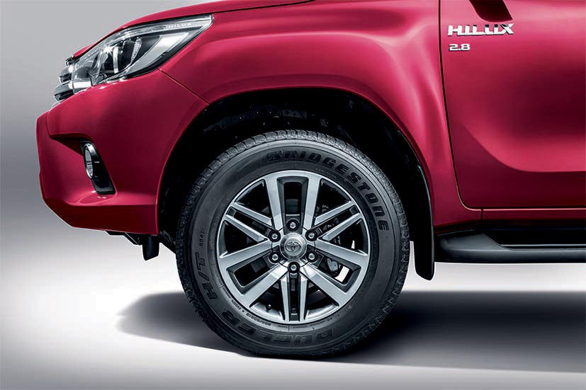 2016 Toyota Hilux makes its official debut in Malaysia – six variants, priced from RM90k to RM134k Image #488357
