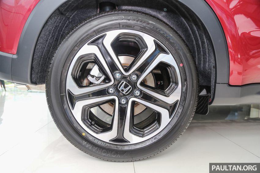 GALERI: Honda HR-V berwarna Dark Ruby Red Pearl Image #497756