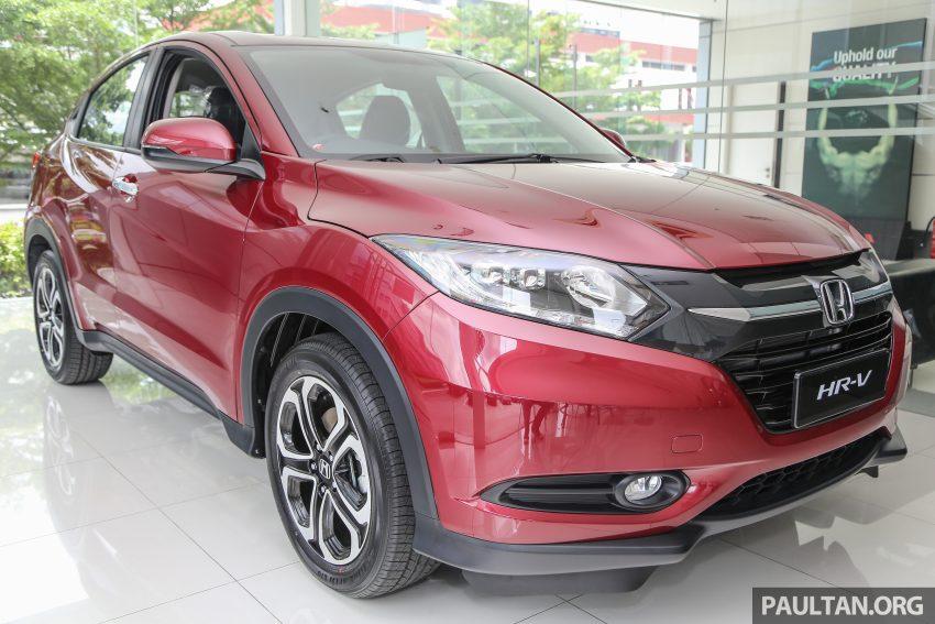 GALERI: Honda HR-V berwarna Dark Ruby Red Pearl Image #497749