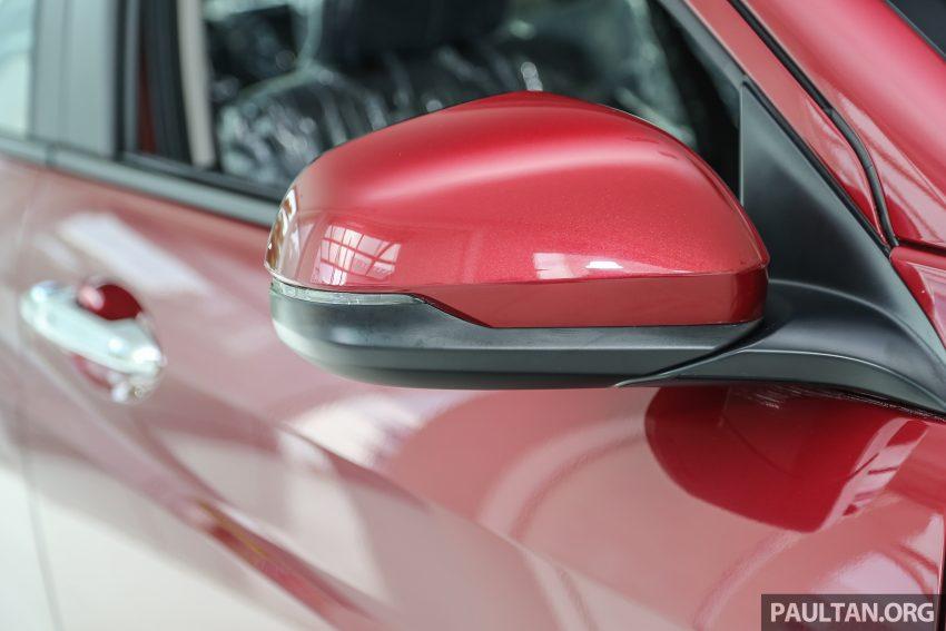 GALERI: Honda HR-V berwarna Dark Ruby Red Pearl Image #497738