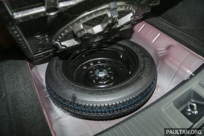 GALERI: Honda HR-V berwarna Dark Ruby Red Pearl Image #497724