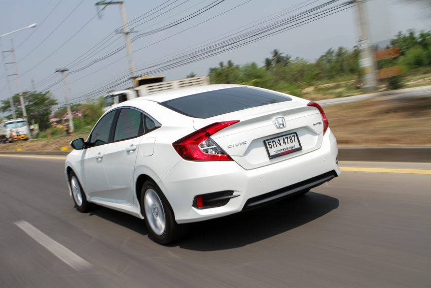 PANDU UJI: Honda Civic 1.8 dan 1.5 VTEC Turbo 2016 – peningkatan bagi gen-10 yang lebih memuaskan? Image #492383