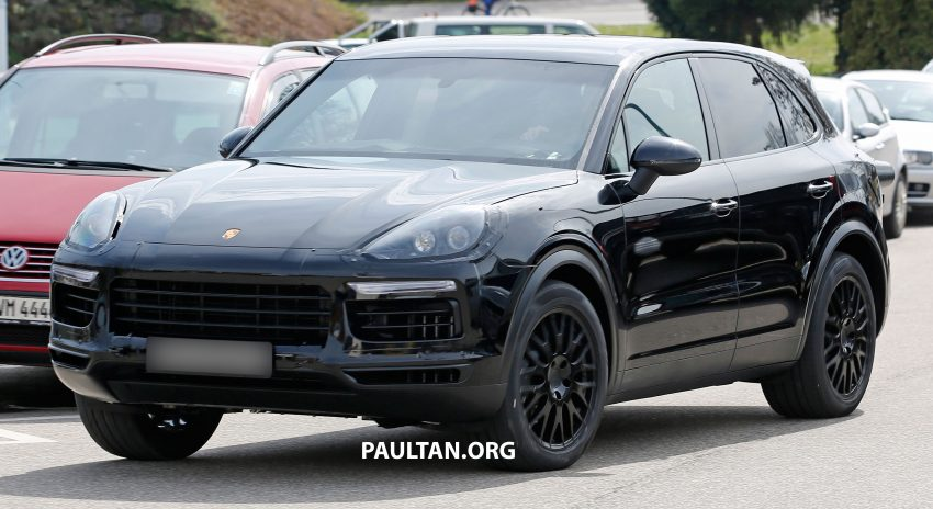 SPIED: 2018 Porsche Cayenne to get big touch screen Image #496640