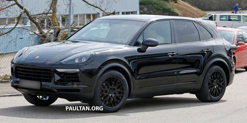 SPIED: 2018 Porsche Cayenne to get big touch screen Image #496642