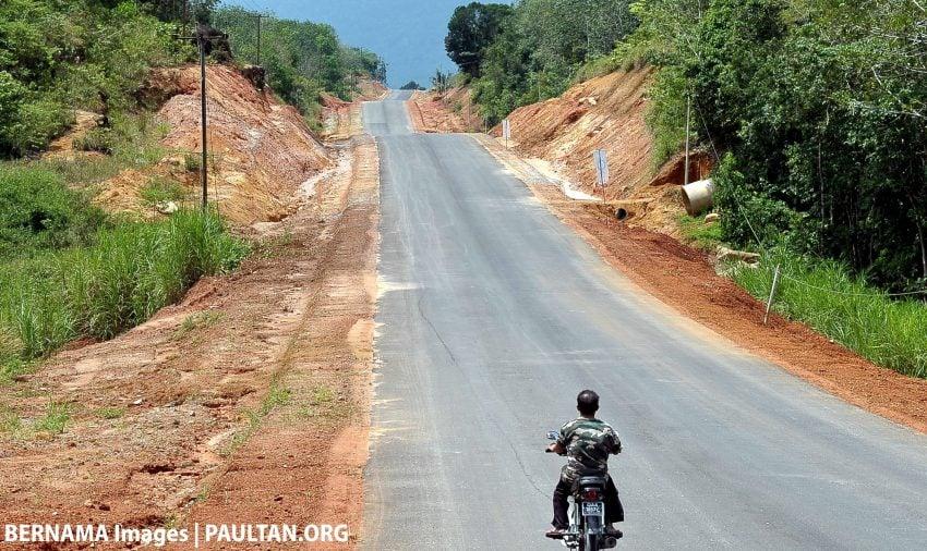 Sarawak needs RM28.4 bil for 4,400 km of new roads Image #499175