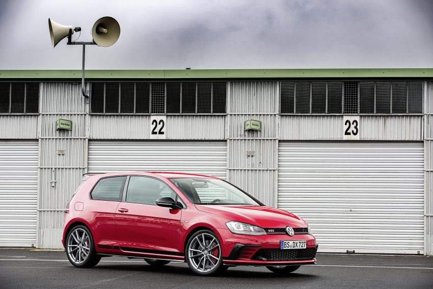 Volkswagen Golf GTI Clubsport S revealed – 310 PS hot hatch breaks Civic Type R Nurburgring record Image #487521