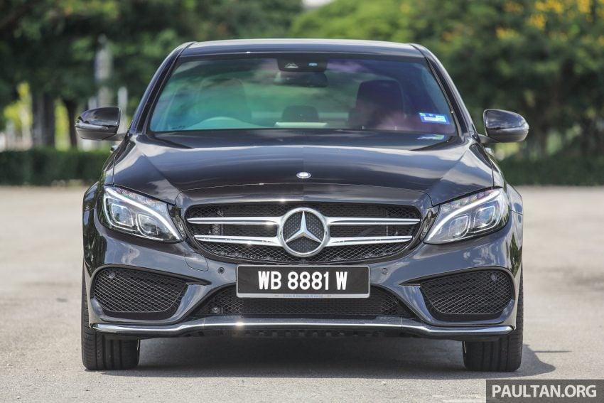 GALLERY: Mercedes-Benz C300 Coupe vs sedan Image #495928