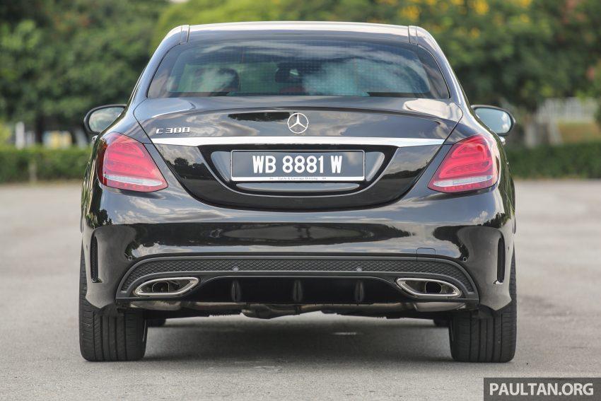 GALLERY: Mercedes-Benz C300 Coupe vs sedan Image #495939