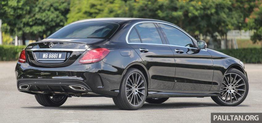 GALLERY: Mercedes-Benz C300 Coupe vs sedan Image #495940