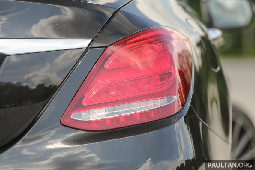GALLERY: Mercedes-Benz C300 Coupe vs sedan Image #495942