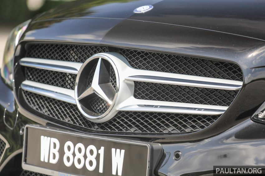 GALLERY: Mercedes-Benz C300 Coupe vs sedan Image #495932
