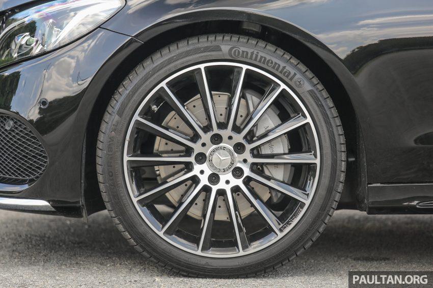 GALLERY: Mercedes-Benz C300 Coupe vs sedan Image #495934