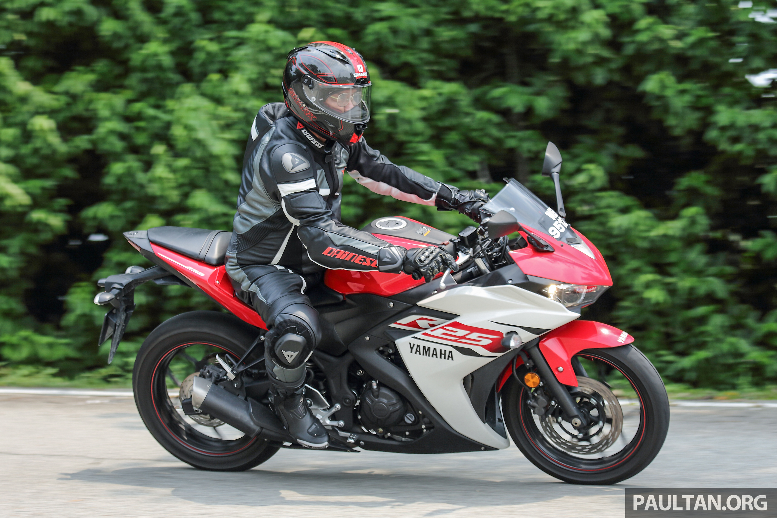 Review 2015 yamaha yzf r25 fun with the baby 39 r 39 for Yamaha yzf r25
