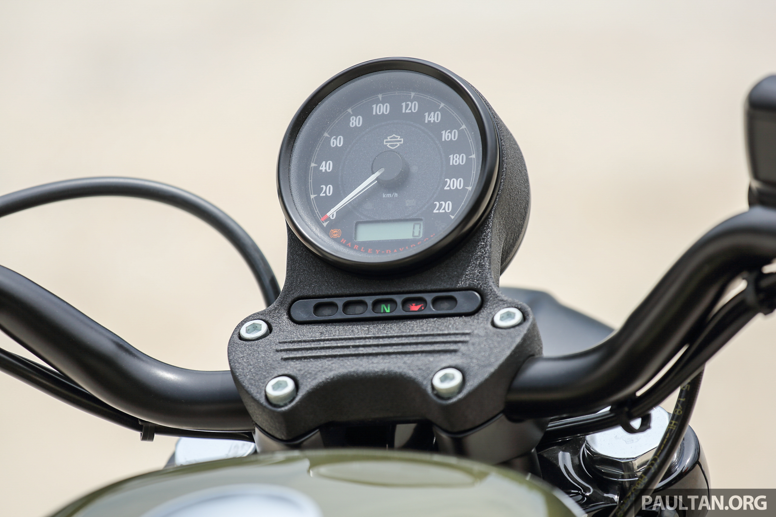 Review 2016 Harley Davidson Sportster Iron 883 Not Your