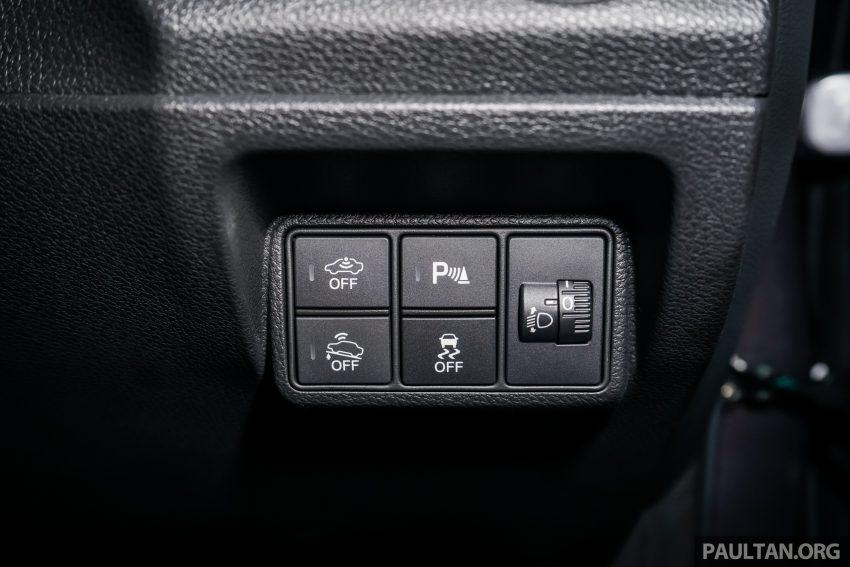 Honda Civic 2016 dilancarkan di M'sia – 1.8L dan 1.5L VTEC Turbo; tiga varian dan harga bermula RM111k Image #506357
