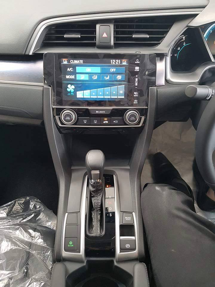 2016 Honda Civic spotted in Malaysian showrooms Image #504546