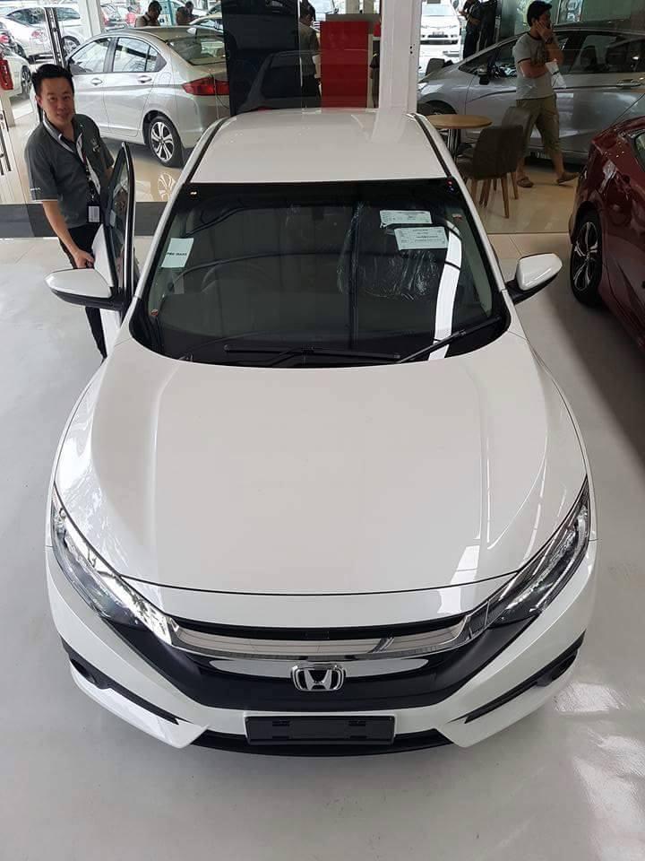 2016 Honda Civic spotted in Malaysian showrooms Image #504543