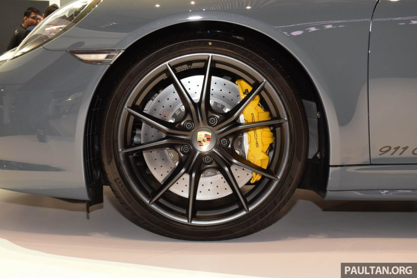 Porsche 911 facelift launched – Carrera, Carrera S and Carrera 4S, new 3.0 litre turbo flat-six, from RM870k Image #509962