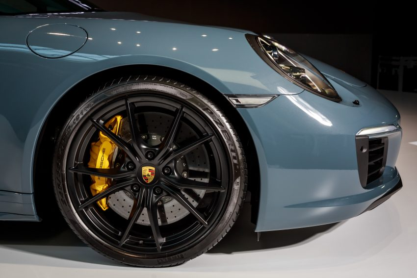 Porsche 911 facelift launched – Carrera, Carrera S and Carrera 4S, new 3.0 litre turbo flat-six, from RM870k Image #509650