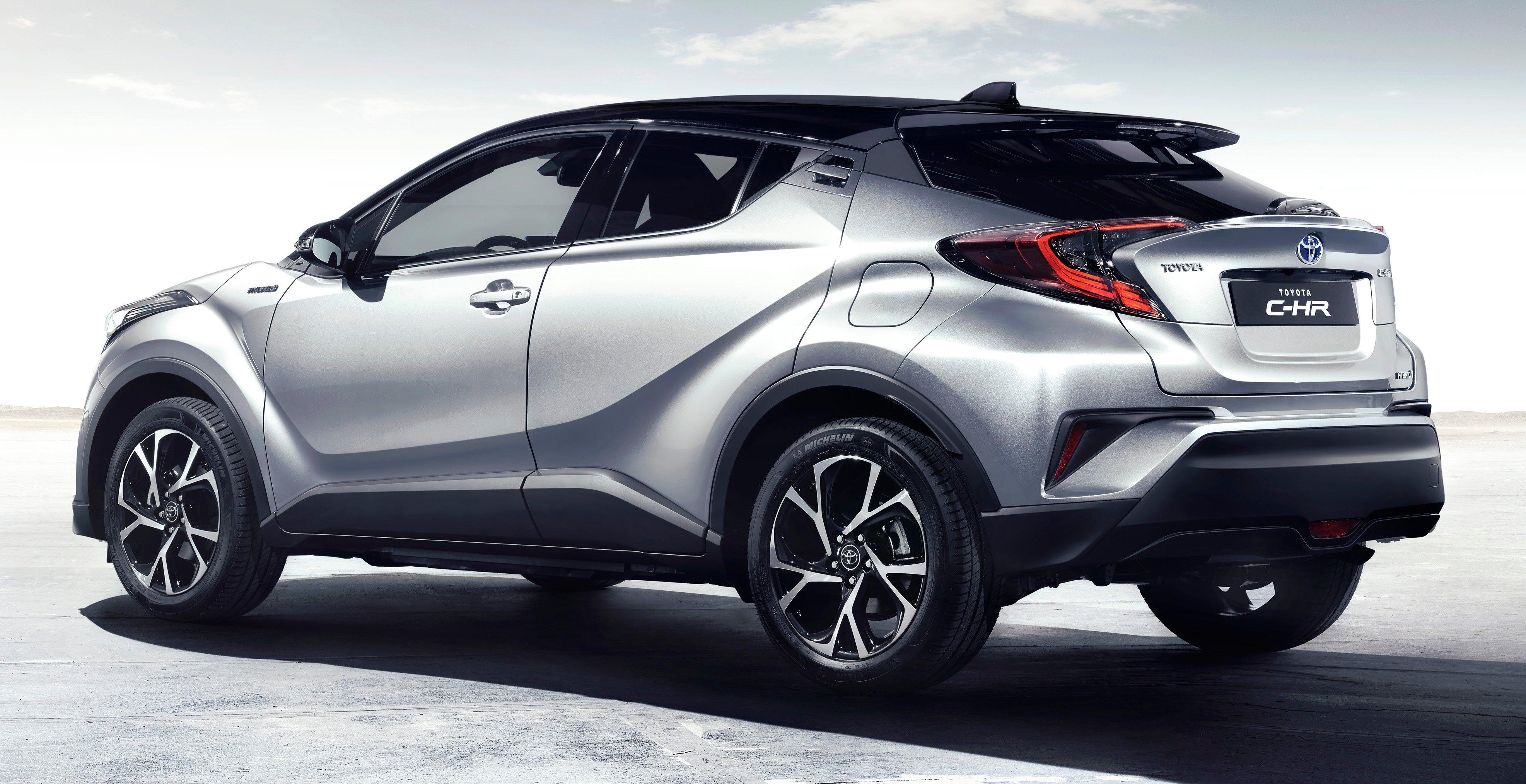2017 Toyota C-HR – production SUV's interior revealed