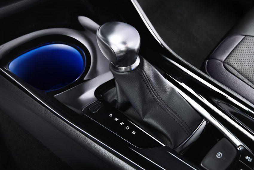 2017 Toyota C-HR – production SUV's interior revealed Image #513103