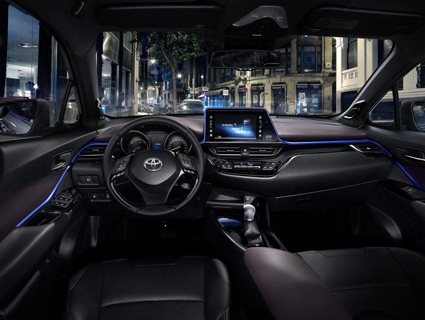 2017 Toyota C-HR – production SUV's interior revealed Image #513097