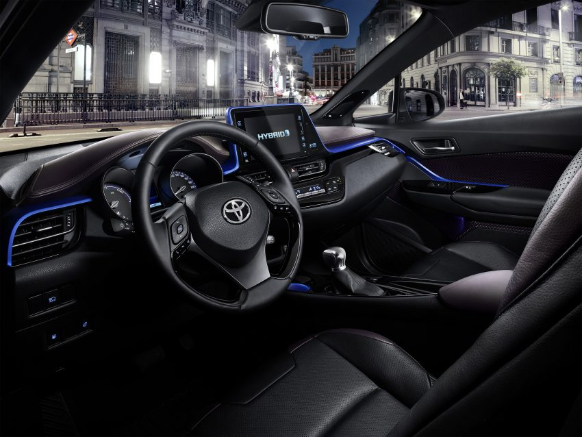 2017 Toyota C-HR – production SUV's interior revealed Image #513099