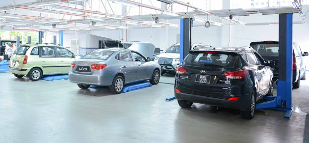 Hyundai models parked at service bays @ Hyundai's Authorised Service Centre