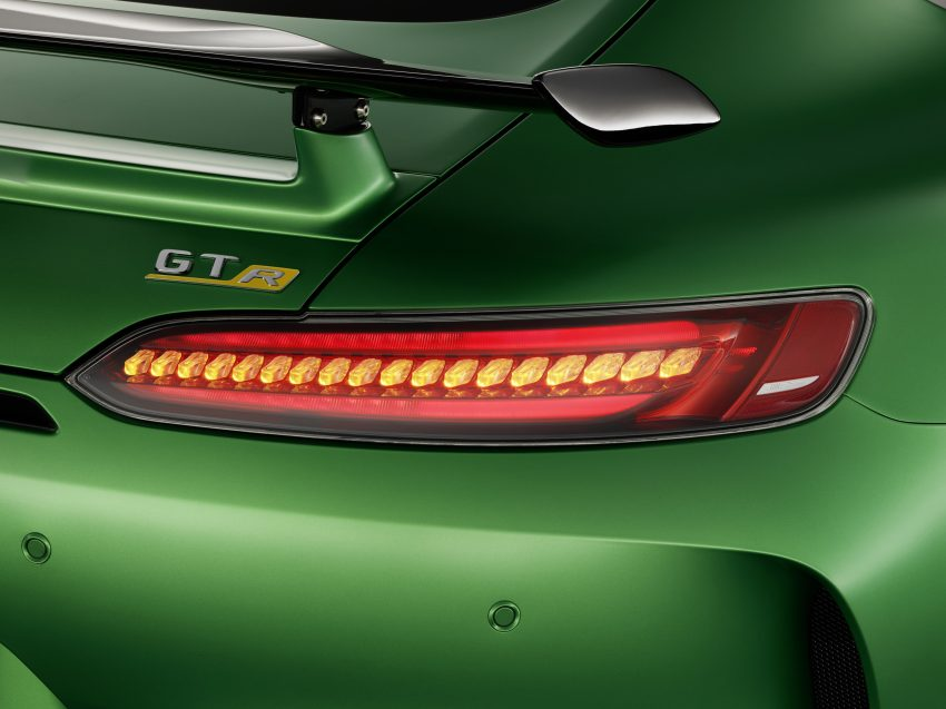 Mercedes-AMG GT R revealed – 577 hp and 699 Nm Image #512646