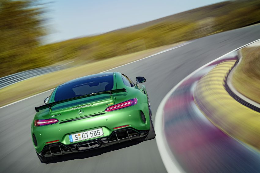 Mercedes-AMG GT R revealed – 577 hp and 699 Nm Image #512659