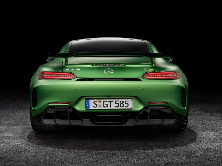 Mercedes-AMG GT R revealed – 577 hp and 699 Nm Image #512639