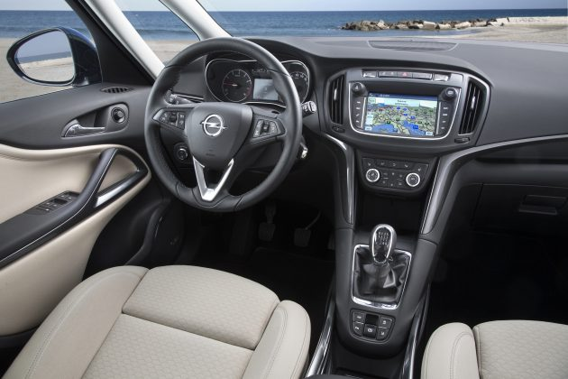 Opel-Zafira-300725