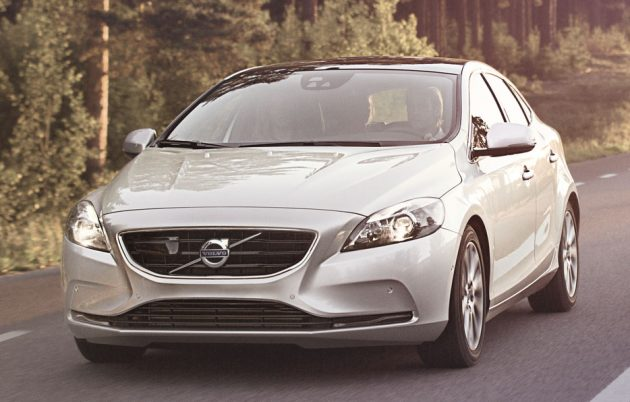 V40 Price wide shot_HR