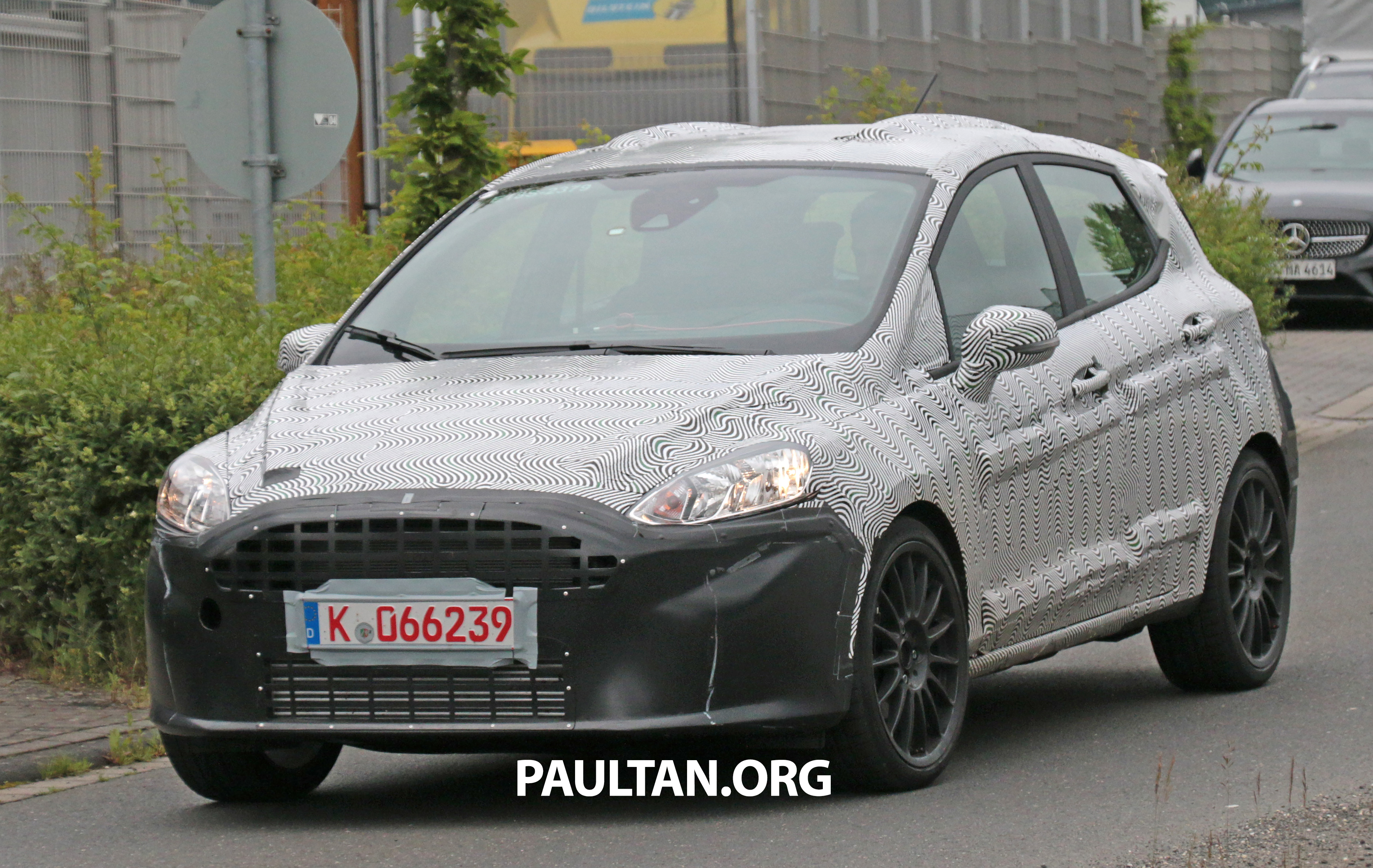 spied 2017 ford fiesta st wearing five door body. Black Bedroom Furniture Sets. Home Design Ideas