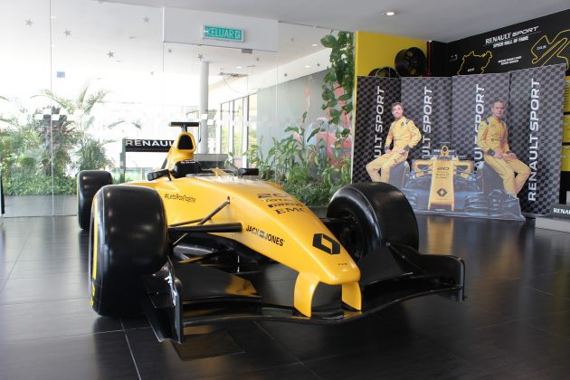 2016 Renault R.S. 16 Formula One model car_2