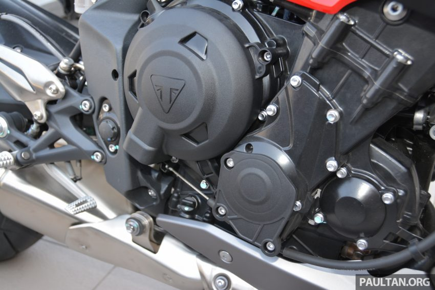 Long-term review: 2016 Triumph Street Triple 675R – delivery, running-in, first service and accessories Image #515425