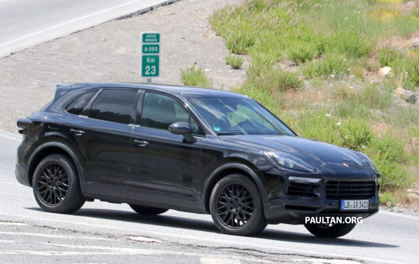 2018 Porsche Cayenne spotted hot weather testing Image #517457